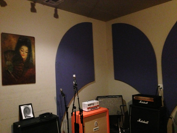A practice space at rest, in between bookings.