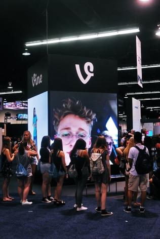 Vine's exhibition on the fan floor